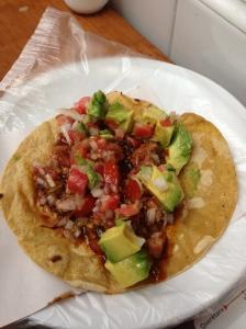 Taco de desayuno en el Mercado de la cruz, Querétaro.